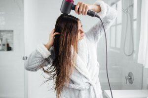 chọn theo công suất và chế độ sấy tóc