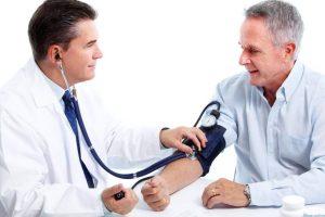 lựa chọn máy đo huyết áp theo độ tuổi