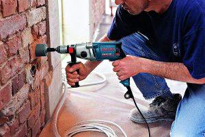 kiểm tra nguồn điện sử dụng và điện áp
