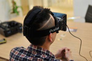 kết nối và khả năng tương thích trên kính thực tế ảo