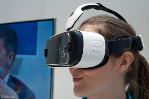 kiểm tra khả năng điều chỉnh kính thực tế ảo
