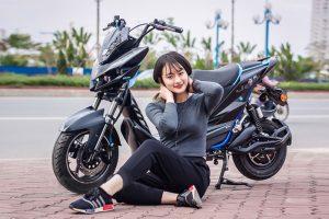 kiểm tra trọng lượng xe máy điện