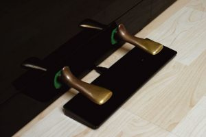 kiểm tra bàn đạp trên piano điện