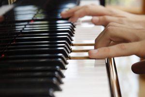 đặc điểm bàn phím đàn organ