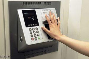 6 bước chọn mua máy chấm công rẻ hiện đại nhất
