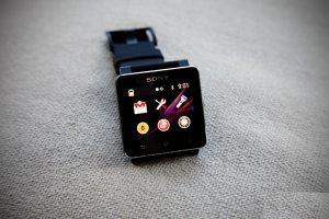 kiểm tra ứng dụng đồng hồ thông minh