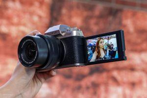 kiểm tra khả năng tự động lấy nết trên máy ảnh mirrorless