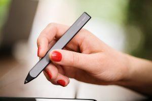 quan tâm đến thiết kế kiểu dáng bút cảm ứng