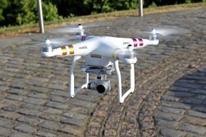 quan tâm thiết kế và độ bền trên flycam
