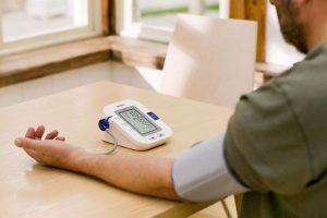 Máy đo huyết áp Omron có tốt không?