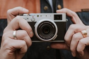 Kiểm tra khả năng chống rung máy ảnh tầm trung