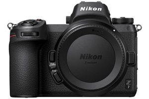 (Review) Máy ảnh tầm trung loại nào tốt nhất (2021): Canon, Sony, Nikon hay Fujifilm?