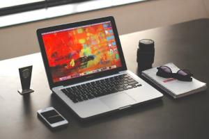 Các tính năng hỗ trợ thêm trên laptop đồ họa