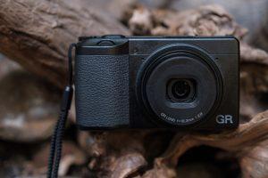Màn hình LCD máy ảnh compact